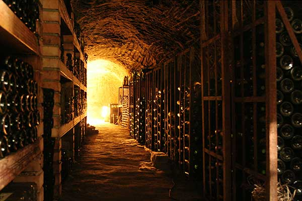O método Champenoise tem a segunda fermentação em garrafas
